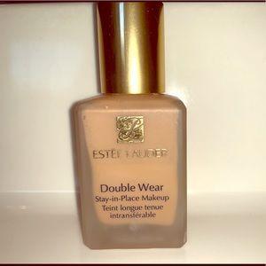 Used Estée Lauder double wear foundation